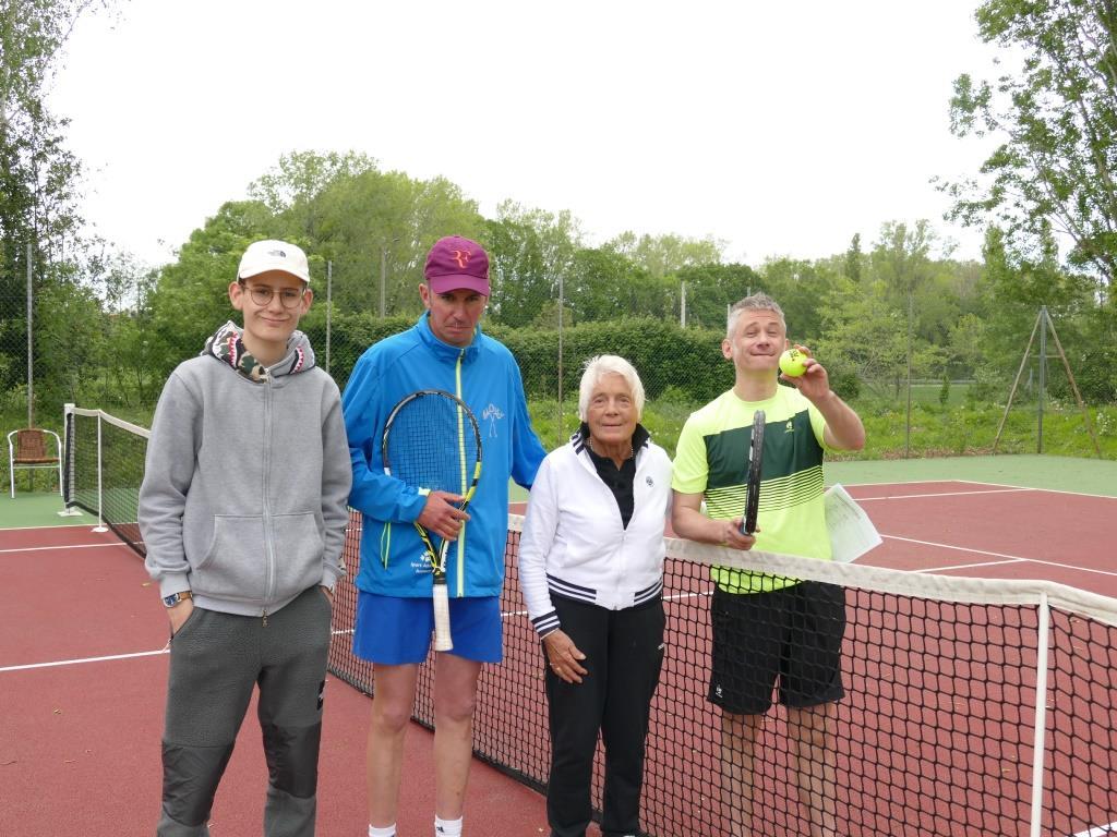 CR Tennis Valence